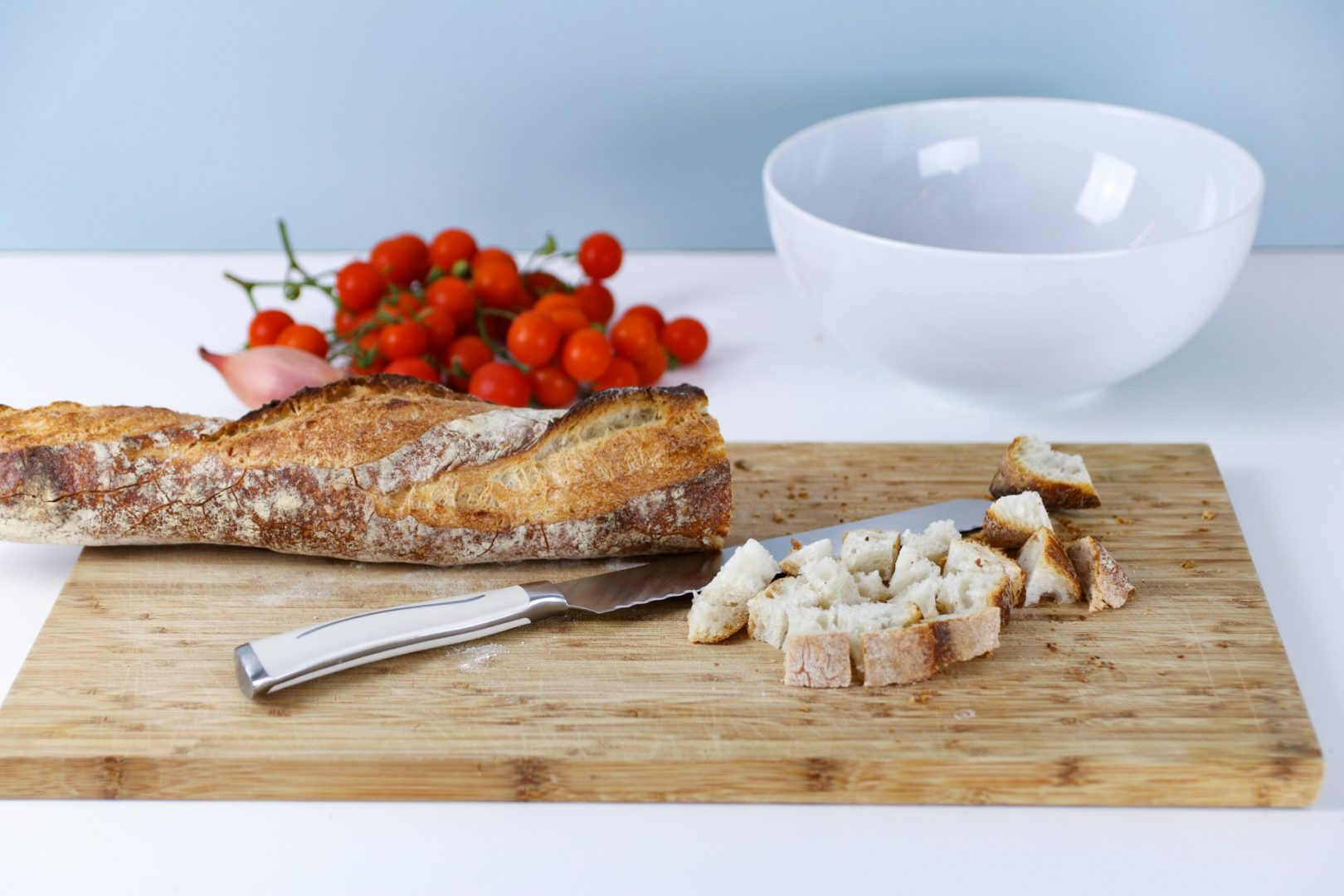 Rezept für einen leckeren Tomaten-Brot-Salat 3